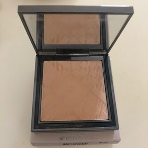 Burberry Fresh Glow Compact Foundation - new